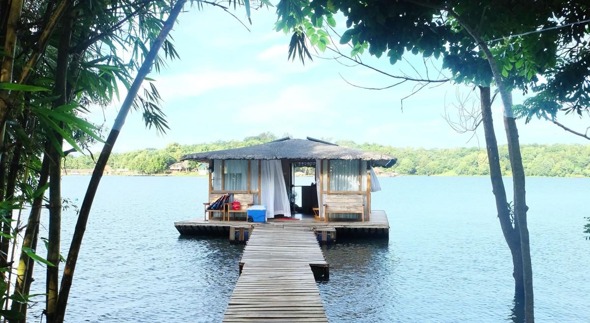 Aquascape's Floating Cottage, Lake Caliraya